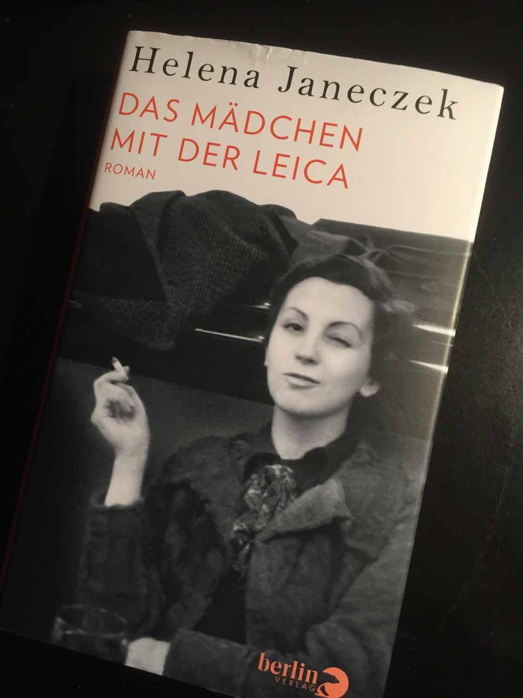 Ein Buchcover, auf dem die Fotografin Gerda Taro zu sehen ist