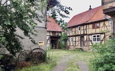 Fotografien: Ortsgeschichte an Hauswänden