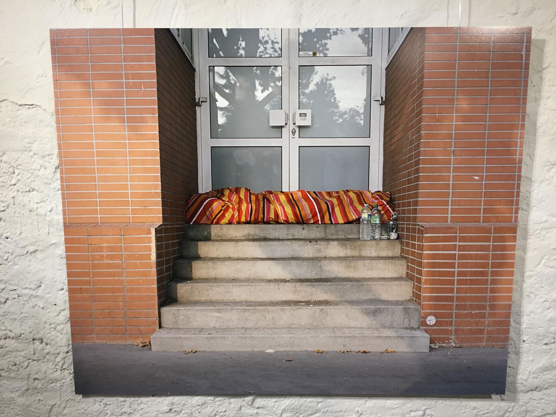 Emmanuelle Bayarts Bild von der Schlafstelle eines Obdachlosen in Paris